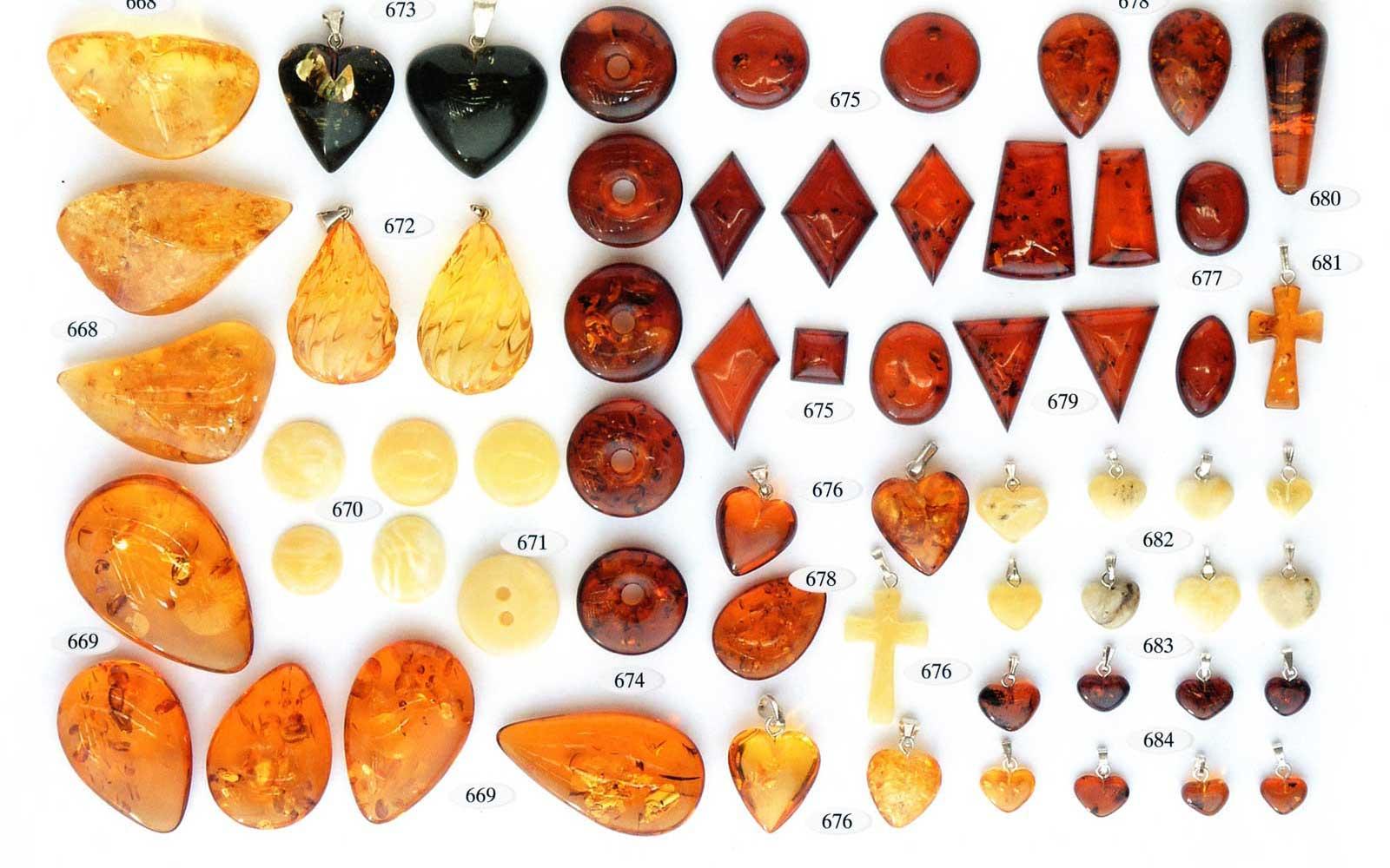 668-684 auksas ir sidabras su gintaru